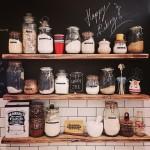 100均の小瓶をリメイクしてかわいい小物用の収納を作ろう